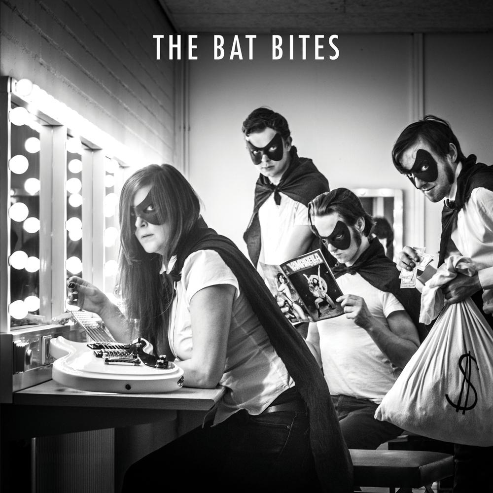 The Bat Bites - st