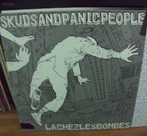 Skuds and Panic People - lachez les bombes