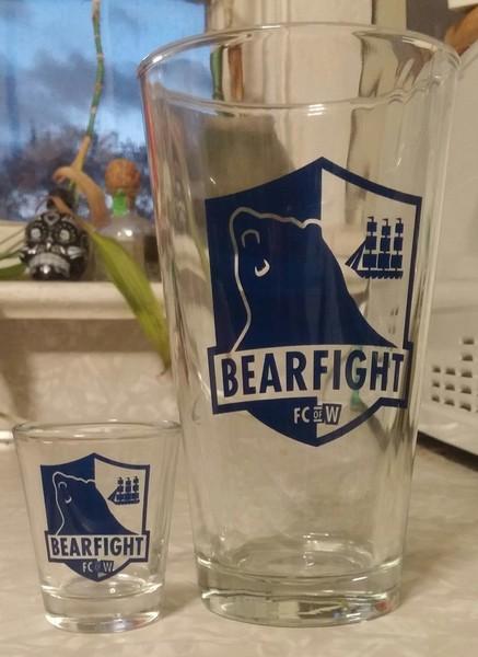 Bearfight FC Bar Glass Set
