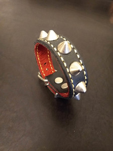 1 Row UK Cone Stud Wristband (Parantaa Brand)