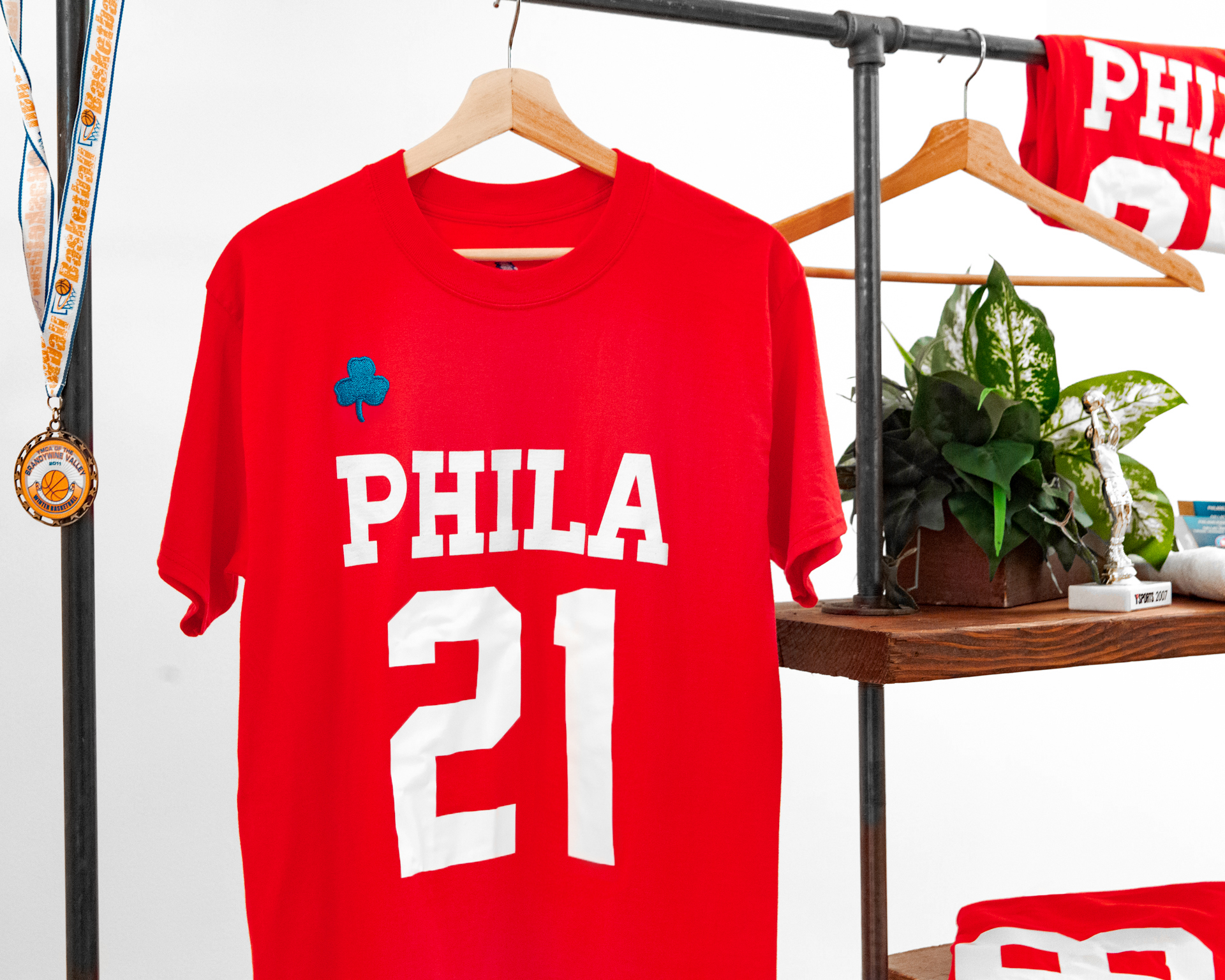 Red Sixers Tee