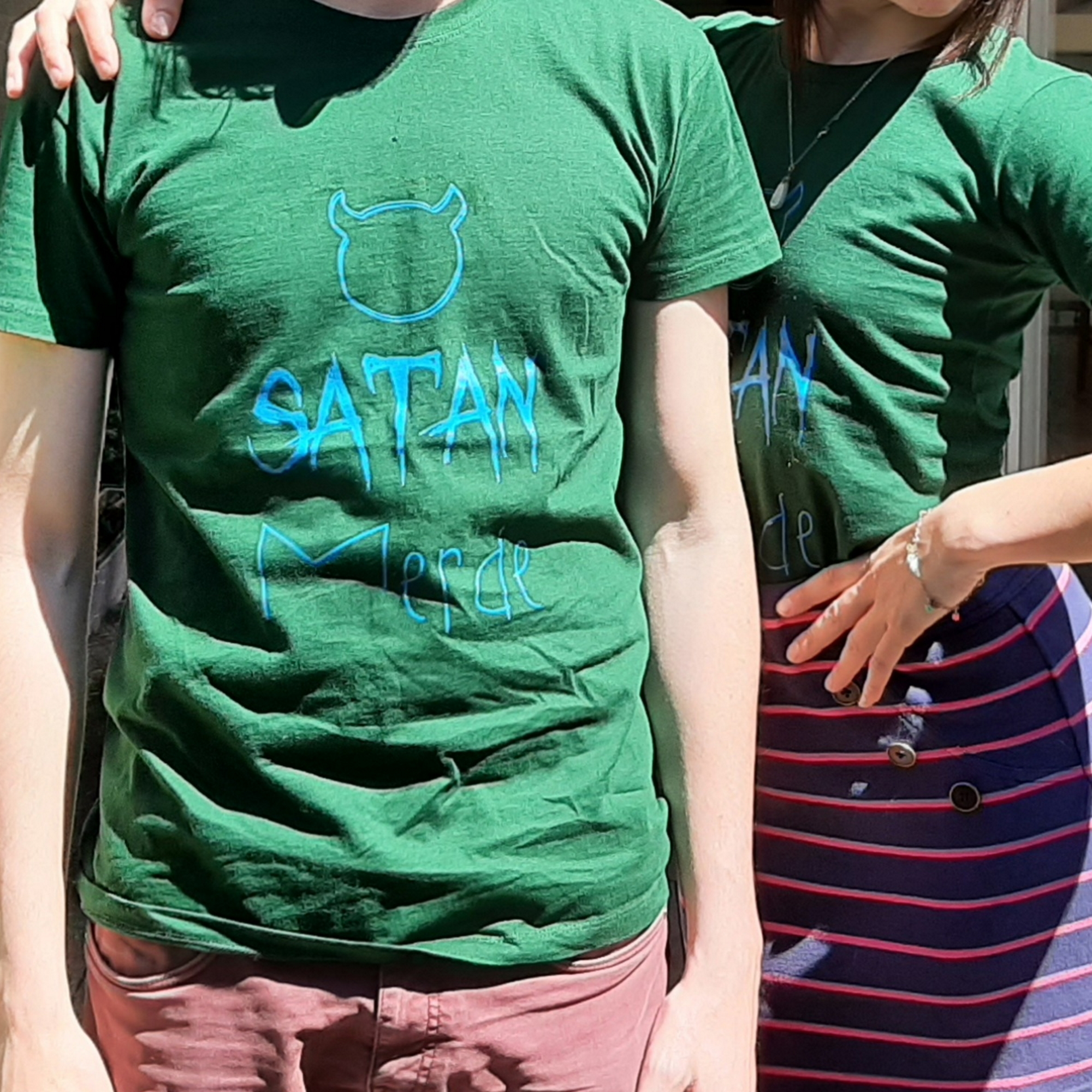 SATAN MERDE Bottle Green T-Shirt